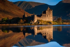 Scotland Landscape Photography/ Kilchurn Castle at Autumn sunrise