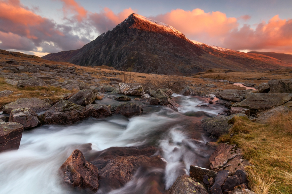 Pen Yr Ole Wen Wales/canvas prints wall art for sale