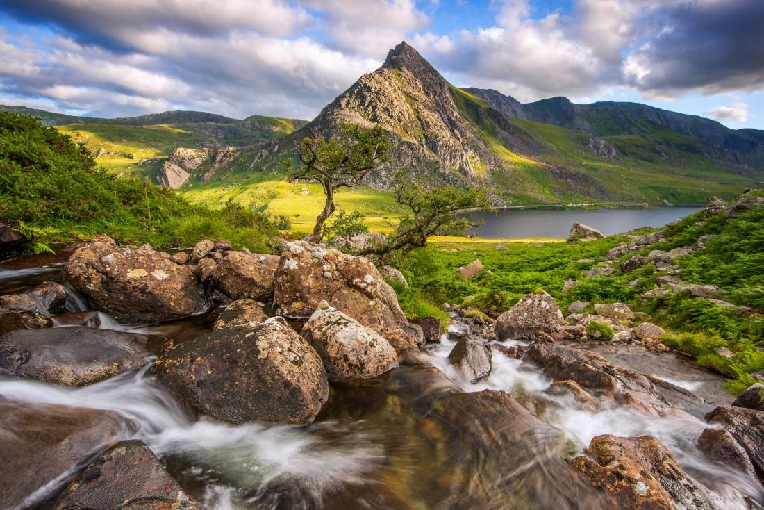 Tryfan Llyn Ogwen Snowdonia North Wales