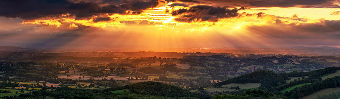 Panoramic landscape photography/Malvern Hills Worcestershire Herefordshire
