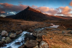 Pen Yr Ole Wen North Wales at first light Winter sunrise