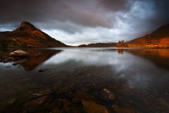 Wales Landscape Photography / Autumn light on the Cregennen Lake