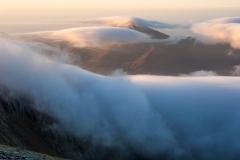 Wales Landscape Photography / Overflowing clouds on the slopes of Snowdonia